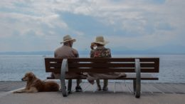 Czy opieka nad osobami starszymi to odpowiednie zajęcie dla seniorów