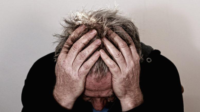 Seniorze, nie daj się depresji! Przyczyny, objawy, leczenie zaburzeń