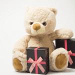 Prezent, który zachwyci twoje wnuki – Czyli co kupić maluchowi