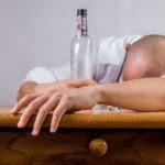 Leczenie alkoholizmu – Na czym polega i jak przebiega terapia uzależnień?