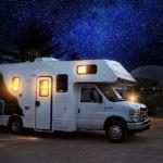 Senior w podróży – Zalety wczasów zimowych i letnich w kamperze