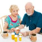 Witaminy dla seniorów – Dlaczego warto dobierać je indywidualnie?