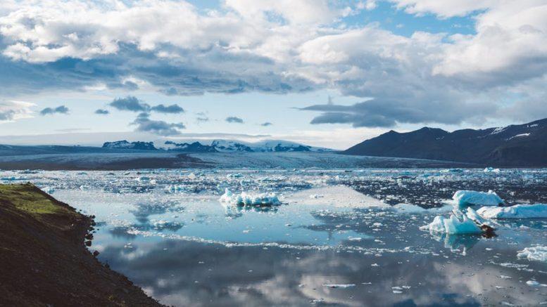 Topniejące lodowce na Islandii