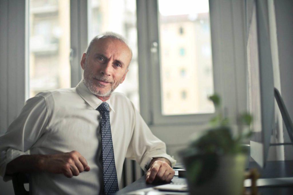 osoby na emeryturze coraz częściej decydują się na otwarcie hotelu pracowniczego