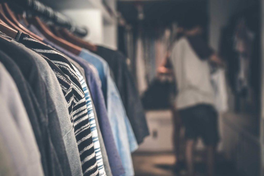 W zależności od sezonu w naszej garderobie królują różne kolory
