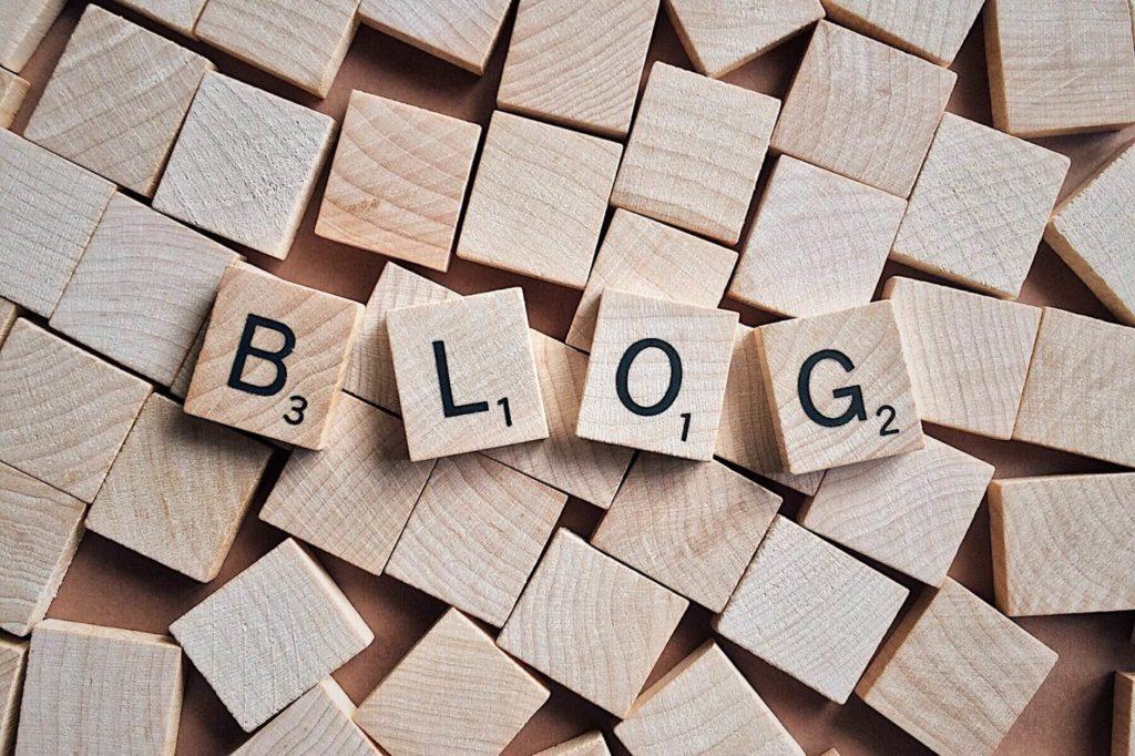 coraz więcej seniorów decyduje się na założenia bloga
