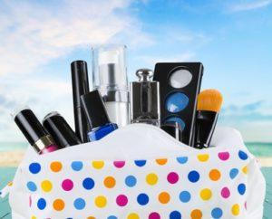 kosmetyczka z kosmetykami