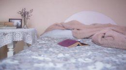łóżko whostelu