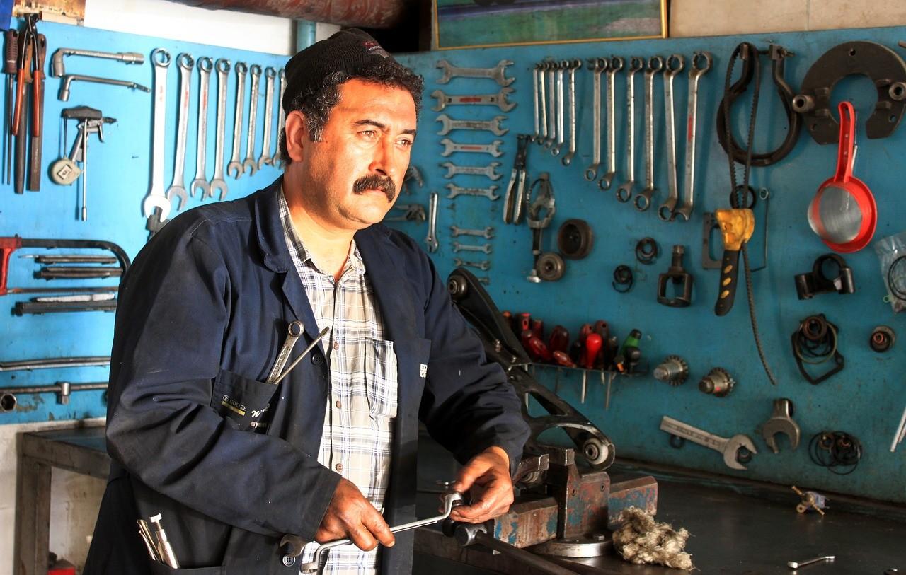 mechanik mietek warszawa
