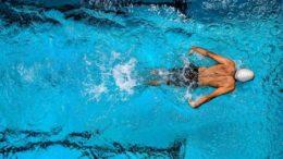 nauka plywania dla seniora