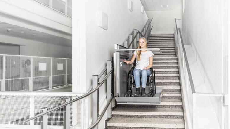 Platforma dla niepełnosprawnych czy winda schodowa